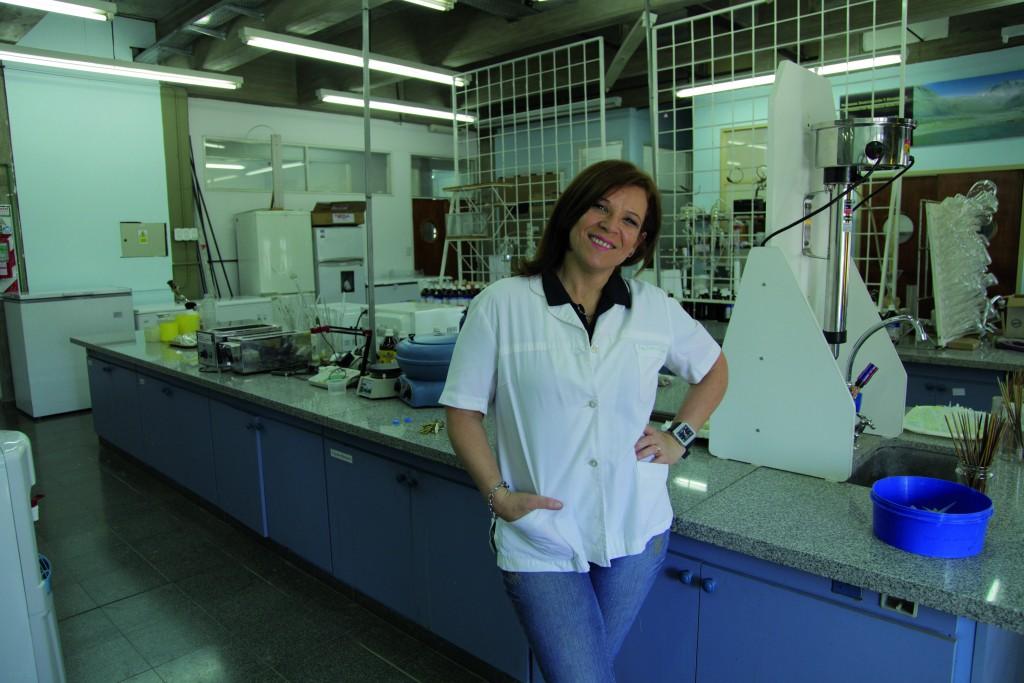 Dra. Gabriela Egly Feresin
