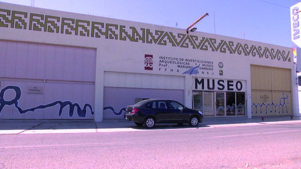 """51 años de existencia, para el Instituto de Investigaciones Arqueológicas y Museo """"Profesor Mariano Gambier"""", de la Facultad de Filsofía, Humanidades y Artes."""